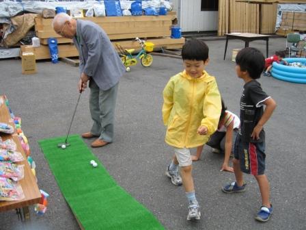 社長もパターゴルフに挑戦!さすがにナイスインでした。